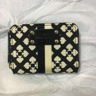 Kate Spade mini wallet on sale!! Price can be discussed!