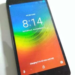 Lenovo phone USED CRACKED SCREEN