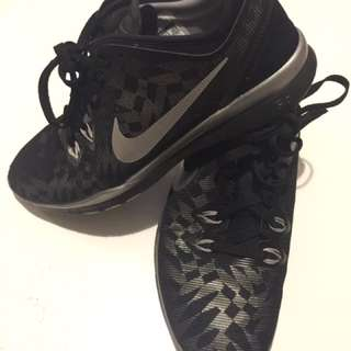 Nike Free TR FIT 5 size 6.5 silver and black