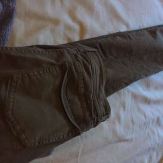 Aritzia-Wilfred pants olive green size 4 (retails $110!)