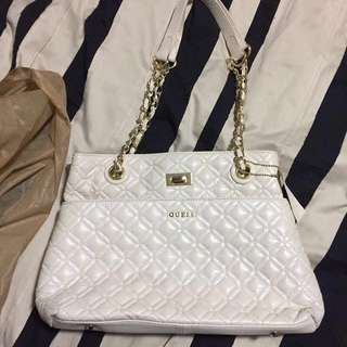 Reduced Guess White leather bag
