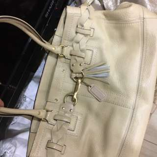 Coach米色包包