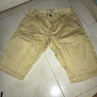 Guess Jeans Celana Bahan Pendek Size 29