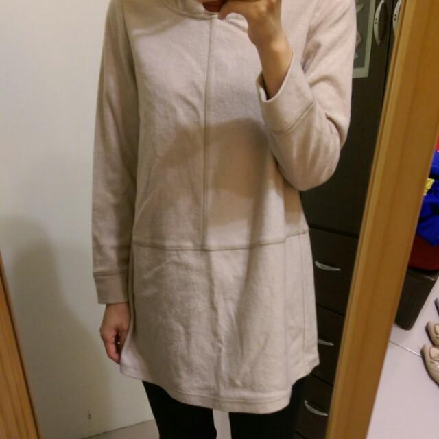 [上班族二手拍賣]裸色羊毛連帽保暖上衣