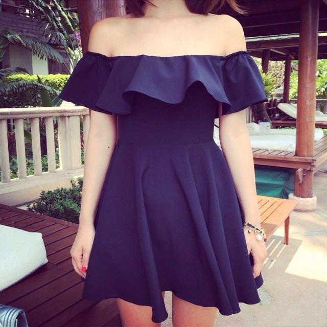 轉賣 質感黑色一字領荷葉邊腰身短洋裝