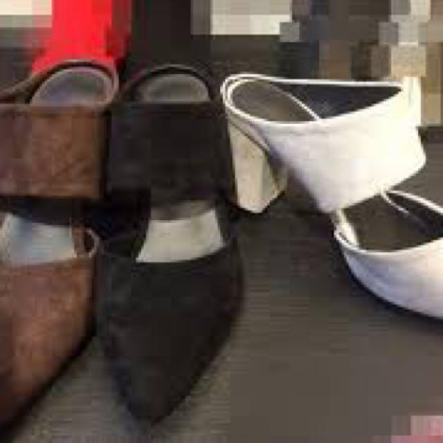 徵) la mocha 黑色尖頭寬帶粗跟拖鞋