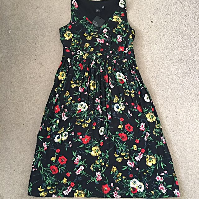 ASOS Curve Floral Tea Dress Size 18