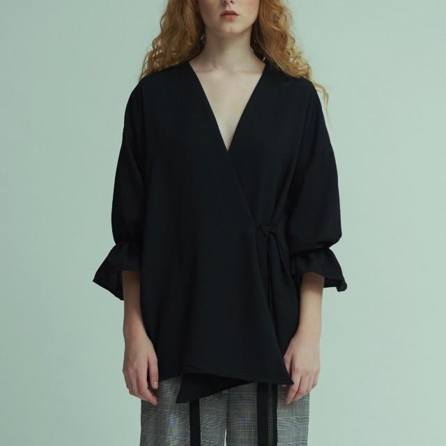 Brand new with hangtag and box. Octo kimono black