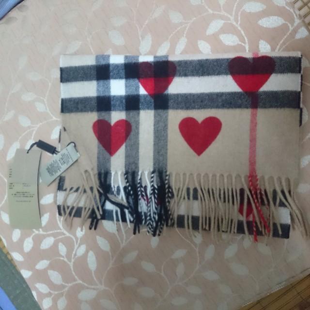 Burberry 紅心圍巾