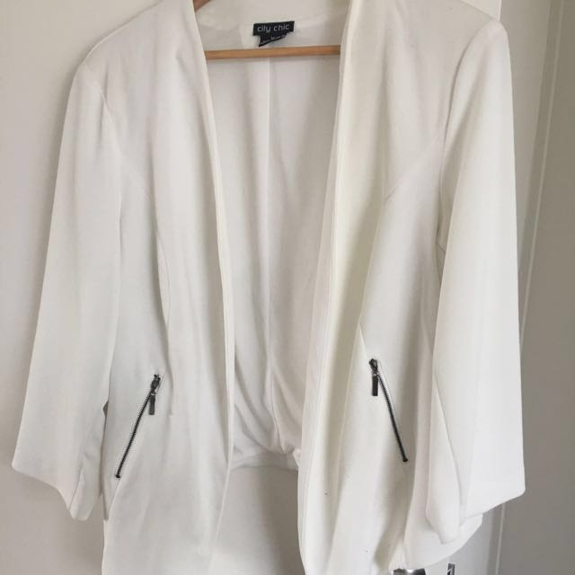 City Chic Cream Cropped Jacket Plus Size Medium (16-18)