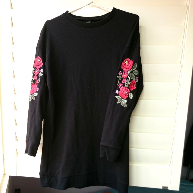Factorie: Black jumper dress with red roses detail