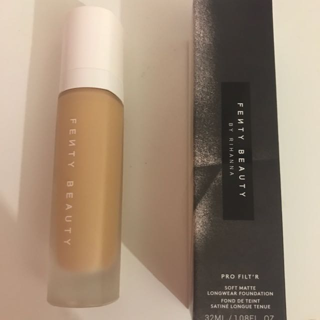 Fenty Foundation 240