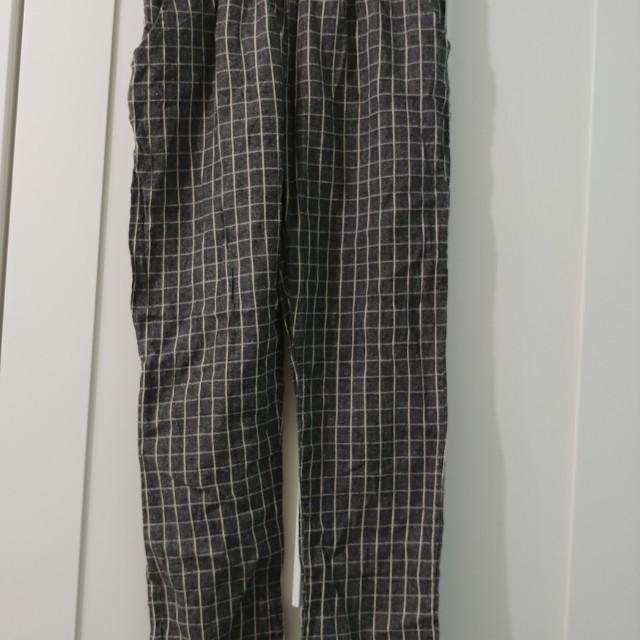 Grey Grid Cropped Pants