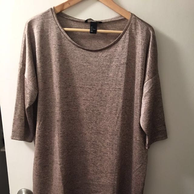 H&M 3/4 Length Sleeved Top Size L