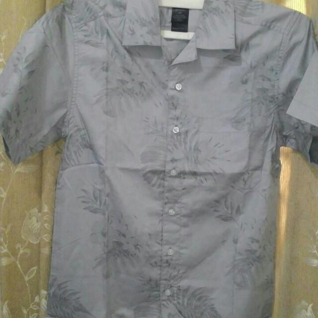 H&M kemeja abu2 motif daun