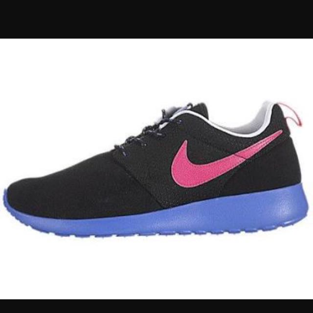 Nike Roshes Size 8 Excellent Condition Basically New Worn A Few Times