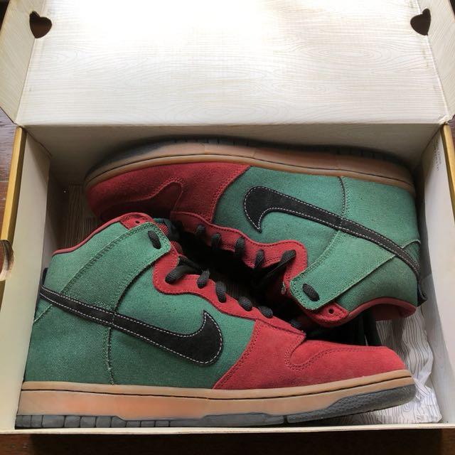 timeless design 7462f 9b56d Nike SB Dunk High (Goofy Boy), Men's Fashion, Footwear on ...
