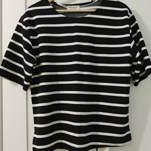 Oversized striped tshirt