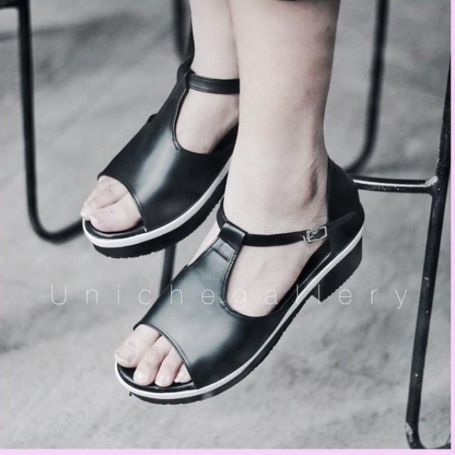 Sepatu Hitam uk 40