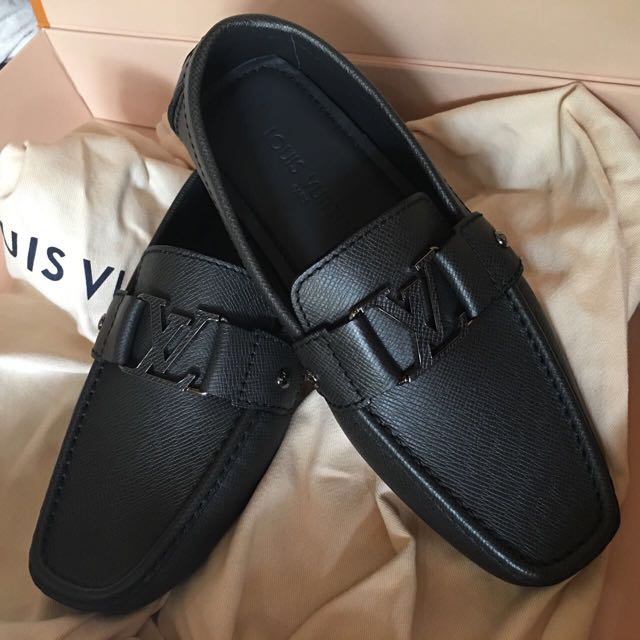 Sepatu Louis Vuitton