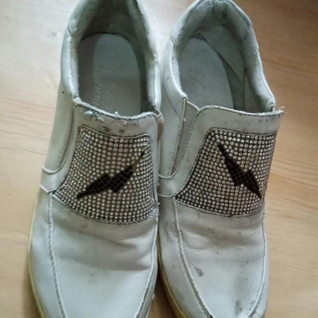 Sepatu slip on wedges implrt