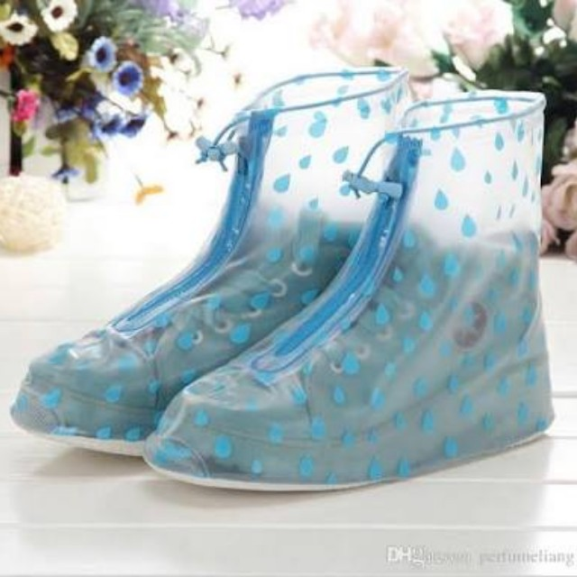 Shoes raincoat