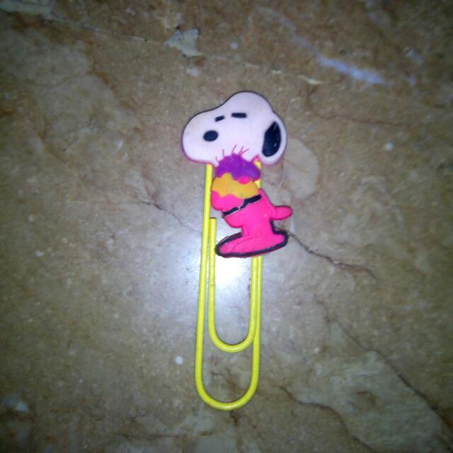 Snoopy Pin Large