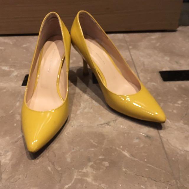 日本貴牌Stunning Lure 黃色漆皮鞋
