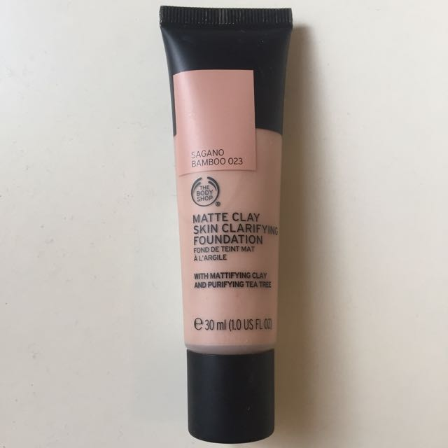 The Body Shop Matte Clay Skin Clarifying Foundation - Bamboo 023