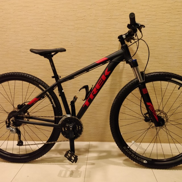29d053d20a8 Trek Marlin 7 2017 Mountain Bike, Bicycles & PMDs, Bicycles on Carousell
