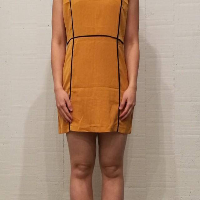 Yellow dress (size 6)