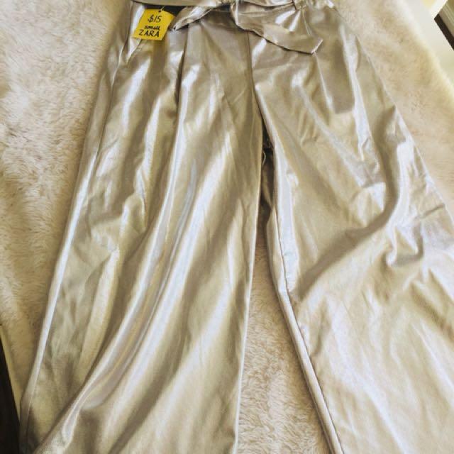 Zara pants size small