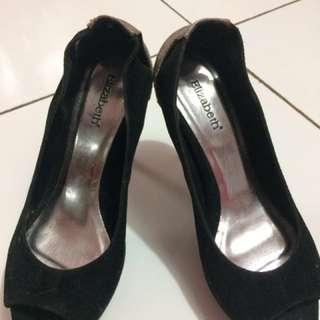 Elizabeth high heel shoe