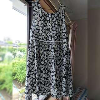 Floral dress size 8-10