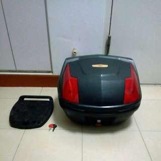 Givi Motorbike box with baseplate.