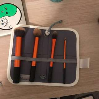 ✅PRICE DROP✅Real Techniques Makeup Brush Carrier