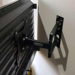JUAL RUGI Samsung 32 inch + Krisbow Bracket bisa ditarik kanan kiri. HDMI + USB + AV