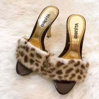 Fur heel sandals brand new sz5