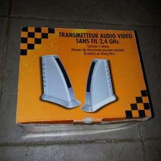無線信號傳輸器。盒有小舊。