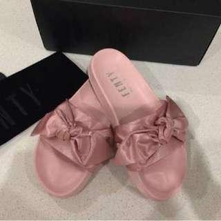 FENTY PUMA Slides - Pink