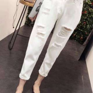 韓版寬鬆破洞白色牛仔褲