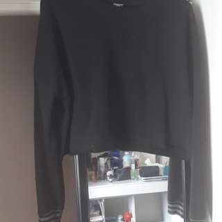 Black long sleeve crop