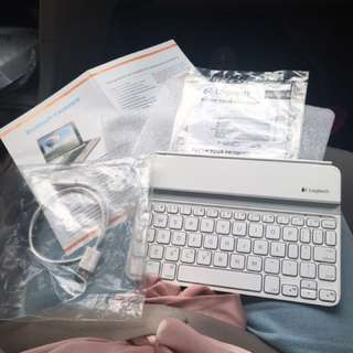 Logitech Bluetooth Keyboard for Tablet