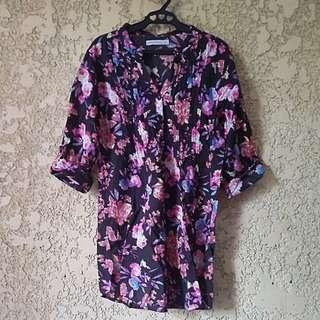 3/4 floral blouse