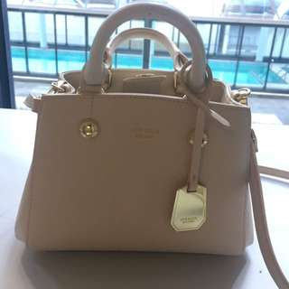 Lynaccs bag, almost new
