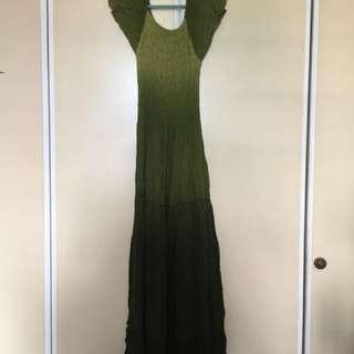 Dress pantai green