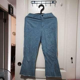 很奇怪的褲子設計