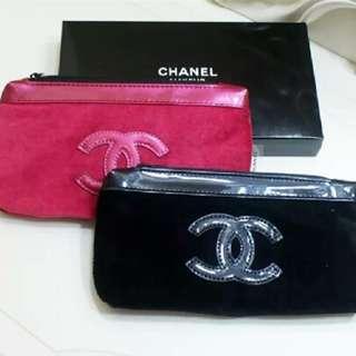 全新Chanel LE ROUGE GIFT 專櫃贈品天鵝絨化妝袋Makeup Pouch有原裝盒(有紅色,黑色)