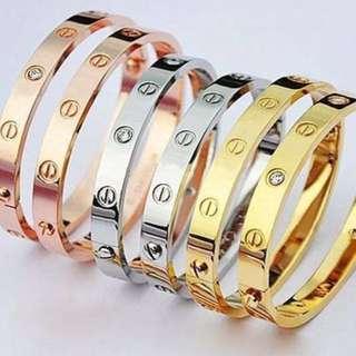 #MidNovember50 Love bracelet inspired