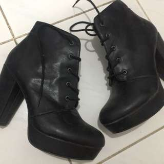 Boots forever 21